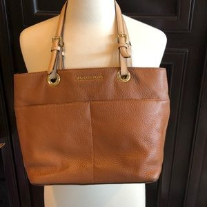 MIchael Kors like new camel pebble leather tote